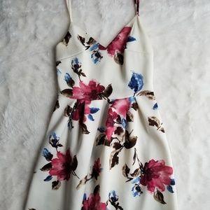 Soprano Floral White Dress